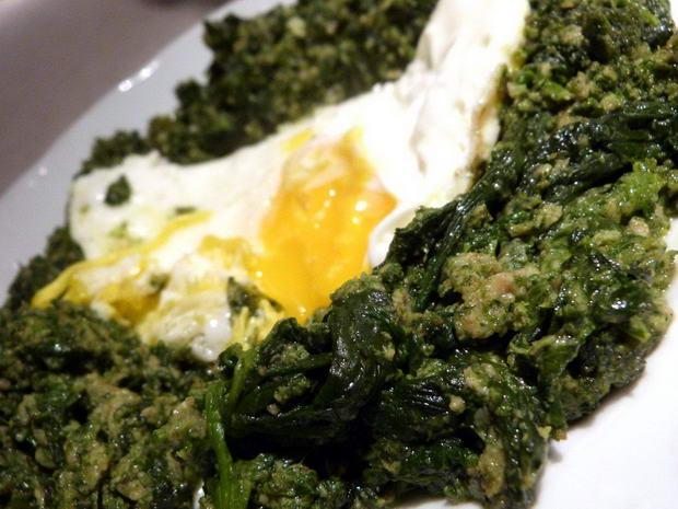 Fota: jajko na szpinaku 1